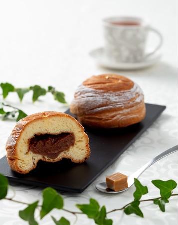 グランプリ最優秀賞受賞!佐藤べーカリーのグラスフェッドバターの「キャラメル ブリオッシュ フィユテ」が毎週金曜日にAZ CAFEで販売されるそうです!